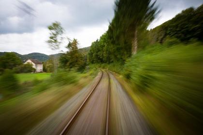 train-1715323_960_720