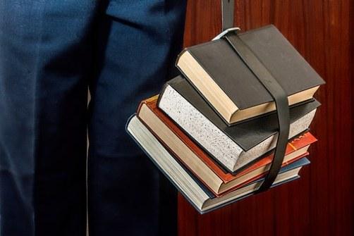 books-1012088__340.jpg
