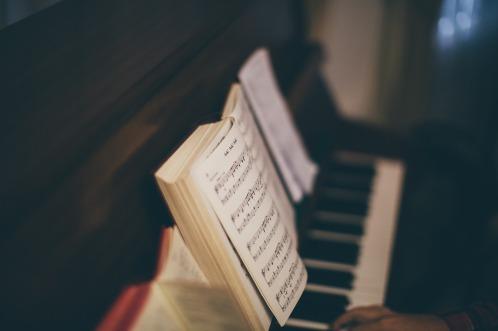 piano-2617007_1280