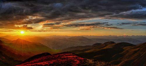 sunset-3292912__480.jpg