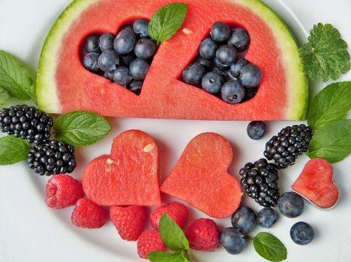 fruit-2367029__480.jpg